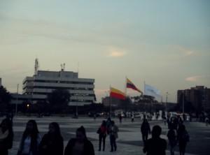 colombia post 3 Esta fue la última foto que tomé en la plaza del Canal Capital, horas antes de partir. Vista que inspiró esta entrada de blog.